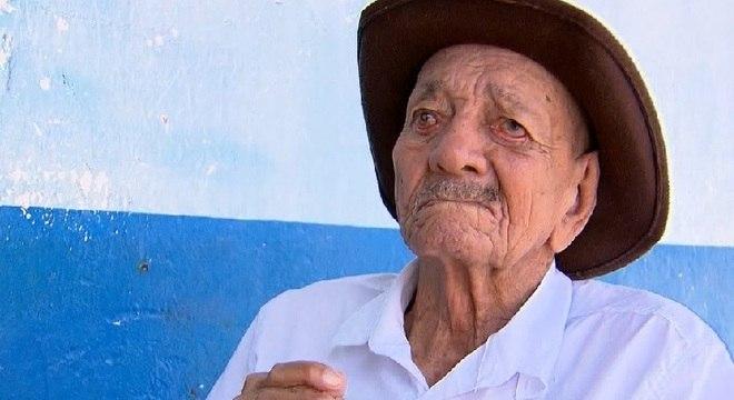 Seu Francisco, aos 109 anos, pode ser um dos mais velhos de MG