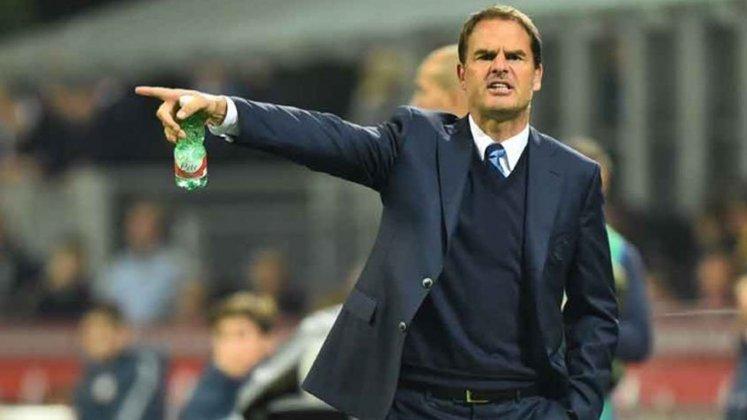 Frank de Boer (Holanda) - 51 anos - Último trabalho: seleção holandesa - Desempregado desde junho de 2021 - Assumiu a seleção em 2020, mas saiu após a eliminação precoce na Eurocopa. Foi tricampeão holandês dirigindo o Ajax, rumou para a Inter de Milão mas não obteve sucesso.