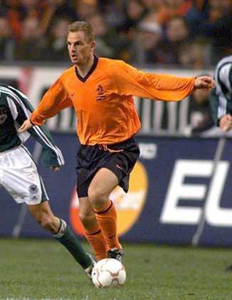 Frank e Ronald (foto) de Boer: atuaram juntos no Ajax, Rangers, Al-Rayyan e Al-Shamal.