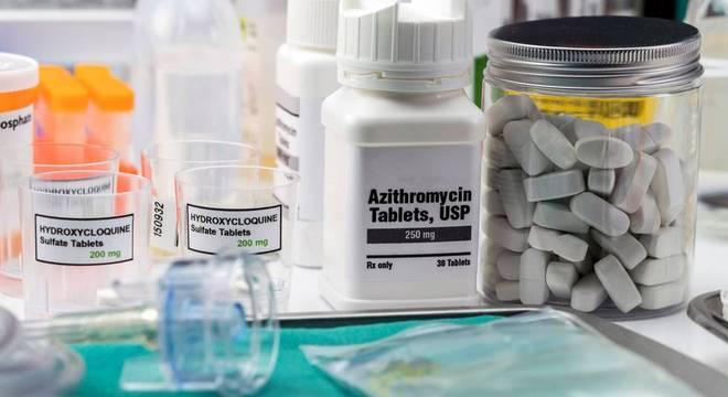 A azitromicina teria utilidade no controle do sistema imunológico, mas estudo de cientistas brasileiros afastou sua eficácia para covid-19