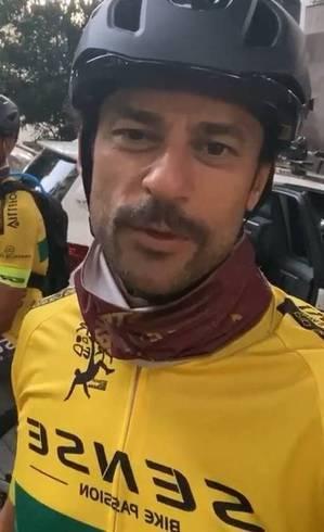 Fred saiu do Rio antes das 6h desta segunda