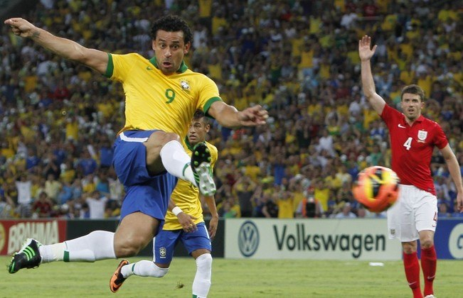 O goleador que já fez gols importantes pela seleção brasileira, Fred, do Fluminense, é o camisa 9 dessa seleção. Em 2013, o camisa 9 decidiu para o Brasil na Copa das Confederações contra a Espanha, que na época era a atual seleção campeã do mundo
