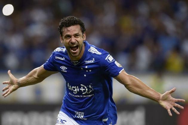 Fred (Cruzeiro)-Revelado no América-MG, Fred brilhou no Cruzeiro, entre 2004/2005, e se transferiu para o Lyon. Após boas temporadas na França, voltou ao Brasil para se tornar ídolo do Fluminense, defender o Atlético-MG em uma curta passagem e retornar ao Cruzeiro em 2018.