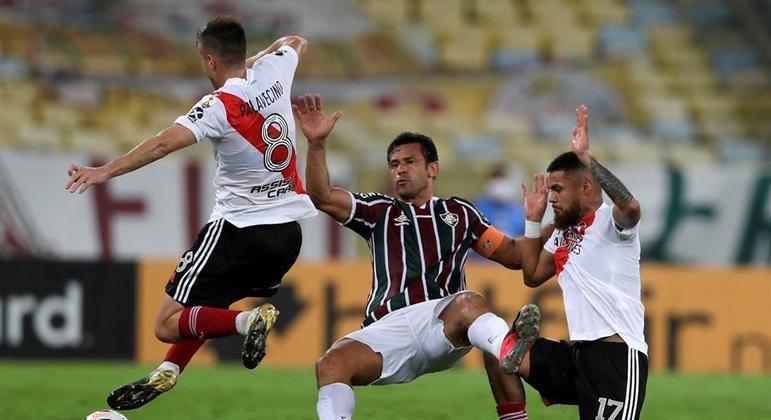 Experiente atacante Fred fez o gol do Fluminense no empate com o River Plate