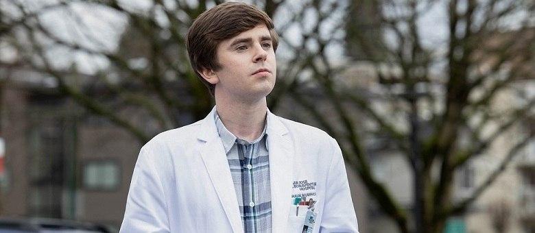 """O ator Freddie Highmore, protagonista da série """"The Good Doctor"""""""