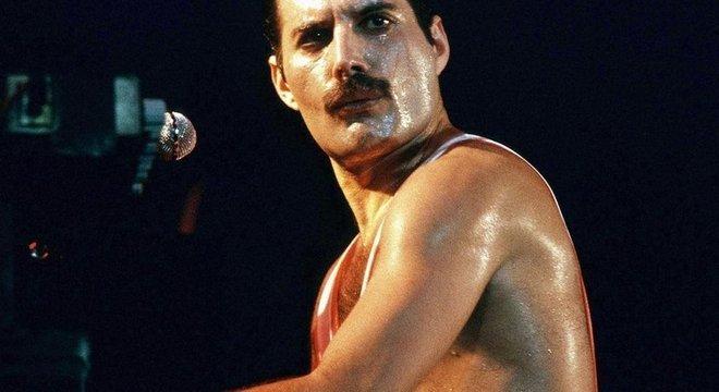 Freddie Mercury tinha uma forma complexa de lidar com sua etnia e sexualidade