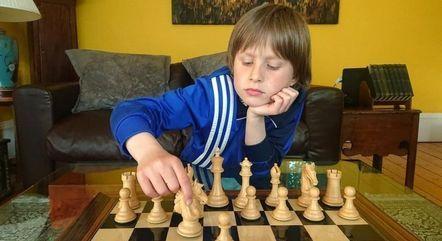 Frederick Waldhausen Gordon, de apenas 10 anos, conquistou o título de melhor jogador de xadrez escocês da categoria sub-18