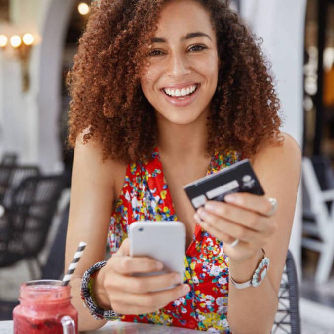 Oito em cada dez brasileiros têm celular, segundo IBGE, e são potenciais clientes