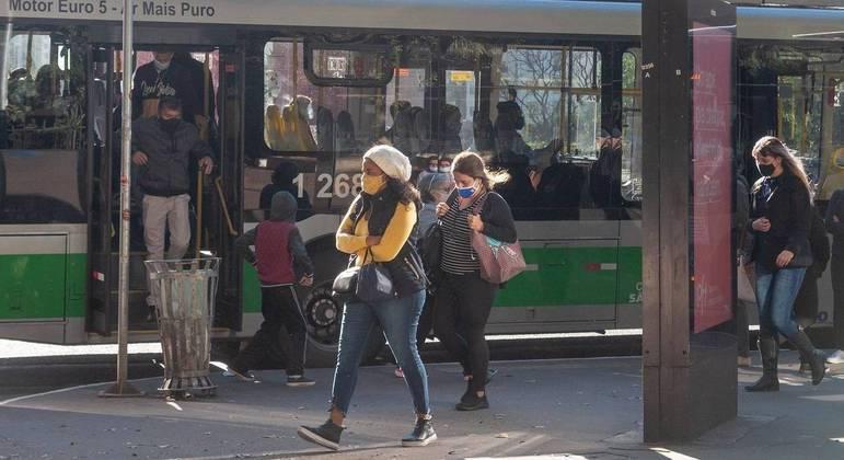 Frente fria deve derrubar temperaturas e trazer novo recorde em São Paulo