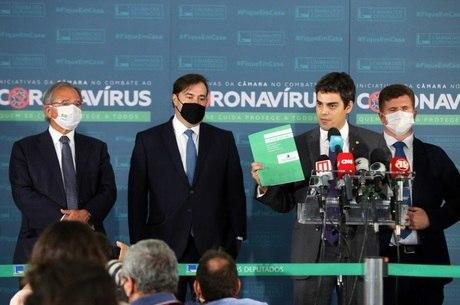 Na imagem, Guedes, Maia, Tiago Mitraud e Felipe Rigoni