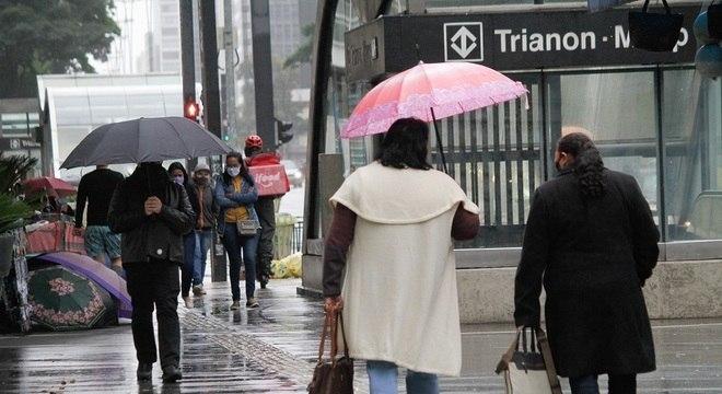 São Paulo terá chuvas no feriadão