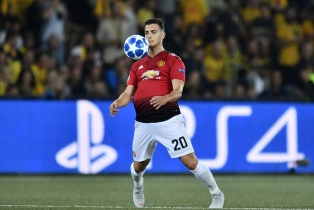 FRIO - Com poucas oportunidades na temporada, o latarel-direito Diogo Dalot deve deixar o Manchester United na próxima janela de transferências. Contratado como grande aposta em 2018, o português não correspondeu às expectativas.