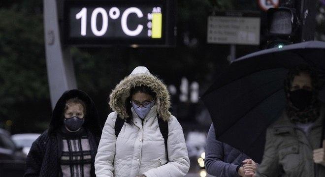 Chegada de massa de ar polar intensifica preocupação com doenças respiratórias