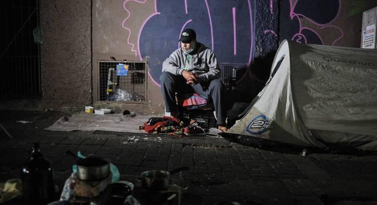 SP registrou 9 mortes de pessoas em situação de rua entre terça e quarta-feira, diz movimento