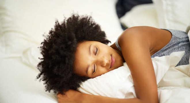 Fronha de seda - Os benefícios desse artigo de luxo para a pele e o cabelo