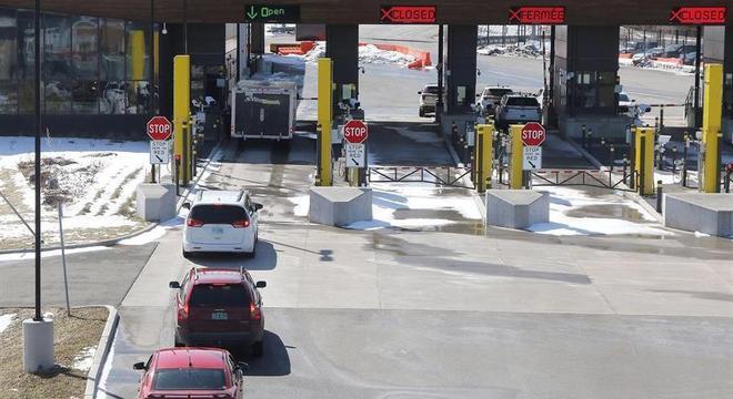 Fronteira entre EUA e Canadá permanecerá fechada por mais de um mÊs