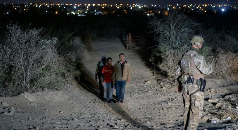 Número de migrantes nas a fronteira está em alta desde abril de 2020
