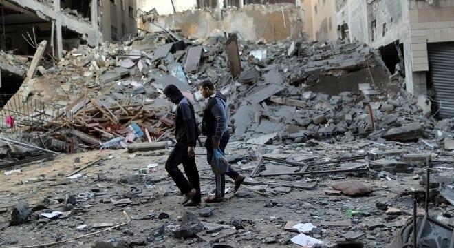 Militantes palestinos mantiveram os disparos de foguetes contra Israel
