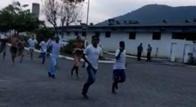 Detentos escapam de Centro de Progressão Penitenciária no litoral de SP