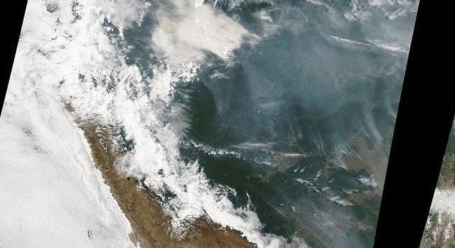 Fumaça de incêndios na Amazônia pode ser vista do espaço