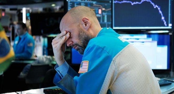 O mercado financeiro segue em queda por causa da pandemia de coronavírus