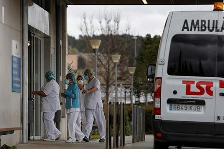 Funcionários do Hospital de Igualada, Barcelona, estão isolados
