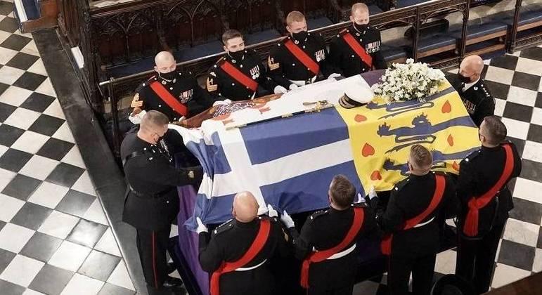 Duque foi sepultado em privado na abóbada real da capela de St George