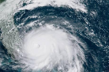 furacão dorian ao vivo