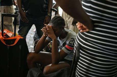 Sobreviventes estão deixando Bahamas para trás