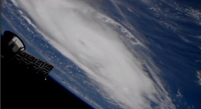 Furacão Dorian fotografado pela Nasa do espaço