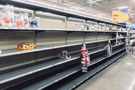 Americanos esvaziam mercados aguardando furacão