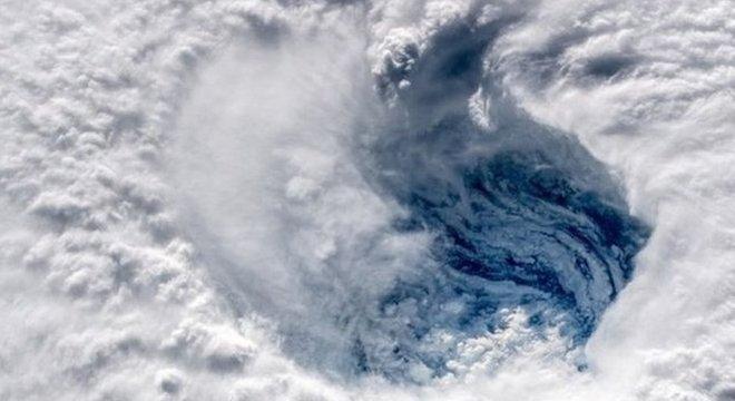 Furacão Florence é descrito como 'extremamente perigoso' e 'catastrófico'