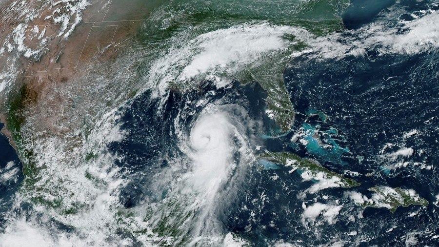 Furacão Laura se aproxima dos EUA com ventos de até 225km/h - Notícias - R7  Internacional