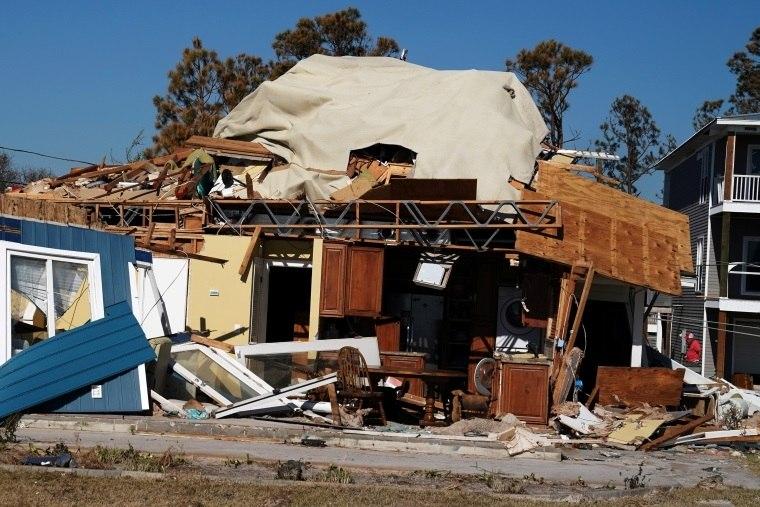 Esperanças de haver sobreviventes do furacão Michael diminuem