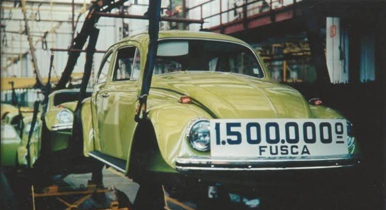 Para reativar a produção do Fusca em 1993 a Volkswagen adquiriu maquinário de produção que havia vendido a outras empresas quando desativou a linha em 1986