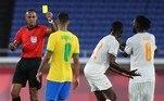 A Costa do Marfim também terminou a partida com 10 em campo. Aos 34 do segundo tempo, após falta dura em Gabriel Martinelli, o marfinêsEboue Kouassi recebeu o segundo cartão amarelo e foi expulso
