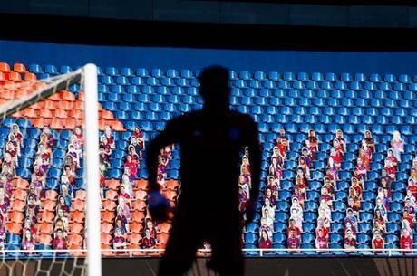 Jogadores de futebol estão fora do grupo de risco