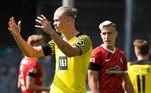 Já na Alemanha, o Borussia Dortmund tropeçou fora de casa e perdeu para o Freiburg por 2 a 1. Grifo e Sallai marcaram para o os mandantes e Keitel descontou para o Dortmund. Erling Haaland, jovem estrela do futebol mundial, passou em branco