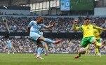 Já no sábado (21), o grande destaque ficou por conta de outro brasileiro: Gabriel Jesus, decisivo na goleada do Manchester City sobre o Norwich, pelo Campeonato Inglês. A equipe de Pep Guardiola atropelou o adversário dentro do Etihad Stadium e venceu por 5 a 0