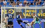 Na Itália, a atual campeã Inter de Milão atropelou o Genoa e venceu por 4 a 0 dentro do San Siro.Škriniar,Çalhanoğlu, Vidal e Dzeco marcaram os gols