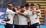 Na Inglaterra, o Manchester City deu mais um passo importante rumo ao título. Os comandados de Guardiola venceram o Crystal Palace por 2 a 0, fora de casa. Aguero e Fernán Torres marcaram para o City. Com o resultado, o time azul de Manchester vai a 80 pontos e abre 13 pontos de vantagem para o segundo colocado, Manchester United, e pode ser campeão já neste final de semana