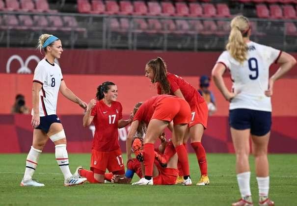 FUTEBOL FEMININO - O Canadá fez história no futebol feminino. Após eliminar o Brasil, as canadenses venceram os Estados Unidos por 1 a 0 e garantiram uma vaga na final.