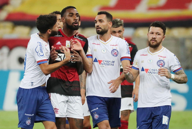 Gerson, revoltado, acusa jogador do Bahia. Colombiano pode ficar dez jogos suspenso