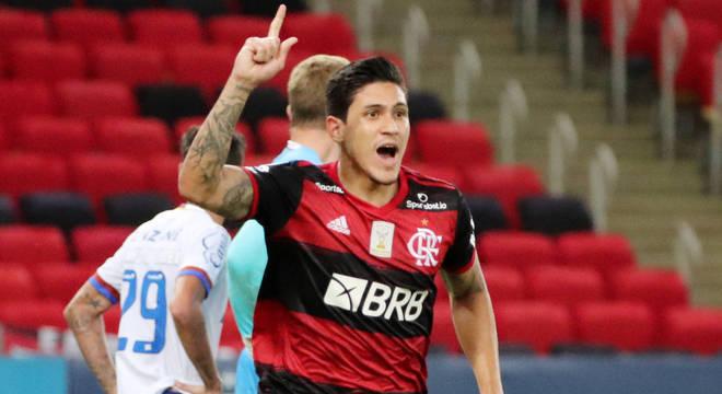 Pedro fez o terceiro gol do Flamengo na virada por 4 a 3 sobre o Bahia