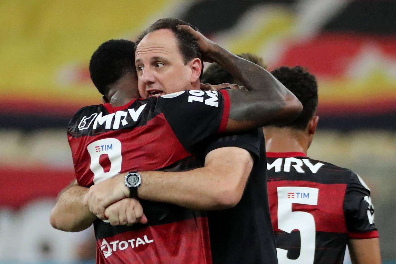 Rogério Ceni comemora com Gerson a espetacular virada do Flamengo