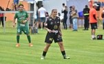 A ex-jogadora Milene Domingues aproveitou para conversar com Karina e Amaury depois da partida.