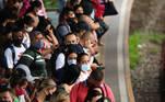 SP - MOVIMENTAÇÃO-ESTAÇÃO-SANTO-AMARO-AGLOMERAÇÃO - GERAL SP - MOVIMENTAÇÃO-ESTAÇÃO-SANTO-AMARO-AGLOMERAÇÃO - GERAL - Movimentação na Estação Santo Amaro da linha 9 Esmeralda em São Paulo (SP) gera aglomeração nessa quinta-feira (11), em plena fase vermelha da pandemia. Estado apresenta média alta de mortes diárias pela COVID-19.   Foto: WANDERSON OLIVEIRA/FUTURA PRESS/ESTADÃO CONTEÚDO FUP20210311020 - 11/03/2021 - 08:48
