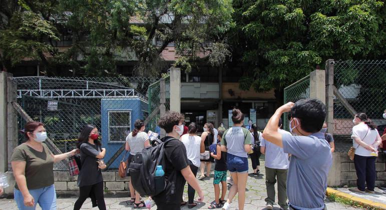 Estudantes se preparam para fazer vestibular em São Paulo