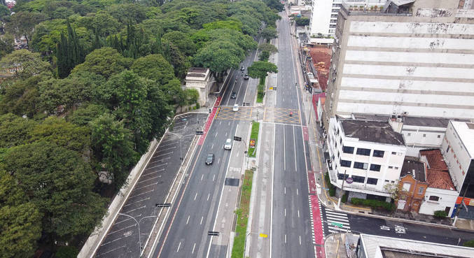 Avenidas de São Paulo ficaram vazias no primeiro fim de semana do ano