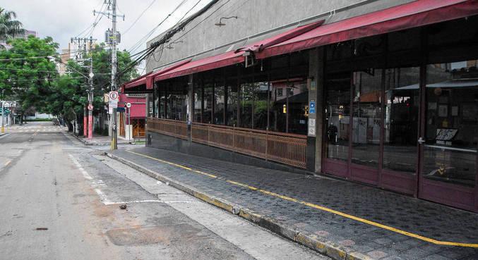 Bares fechados no bairro da Vila Madalena, bairro boêmio na zona oeste de SP